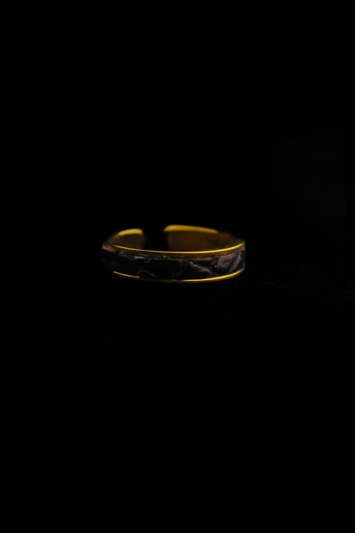Ring Dark Crocskin Gold Finish